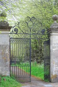 Stonewylde gate